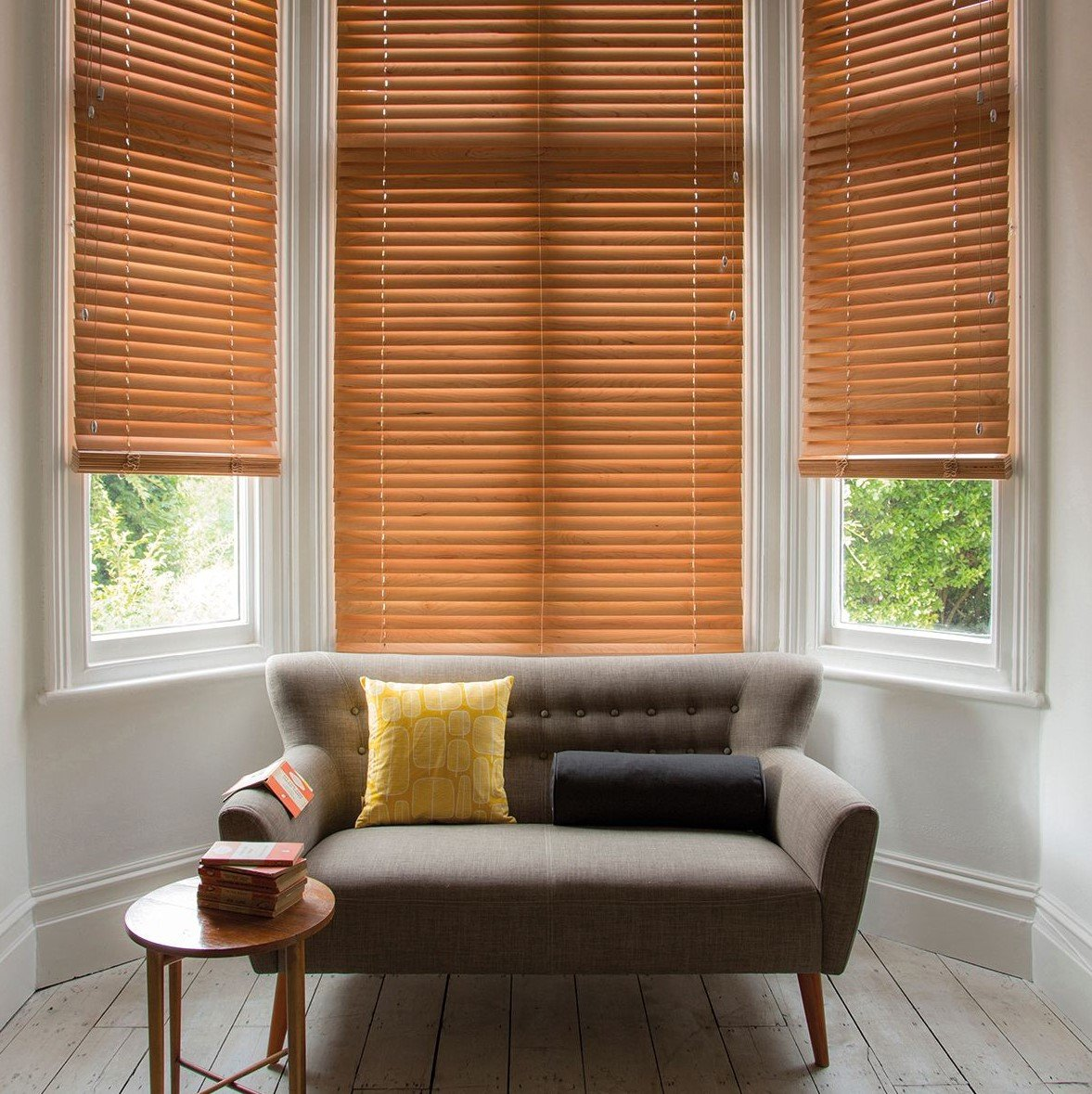 wooden-blinds-lounge