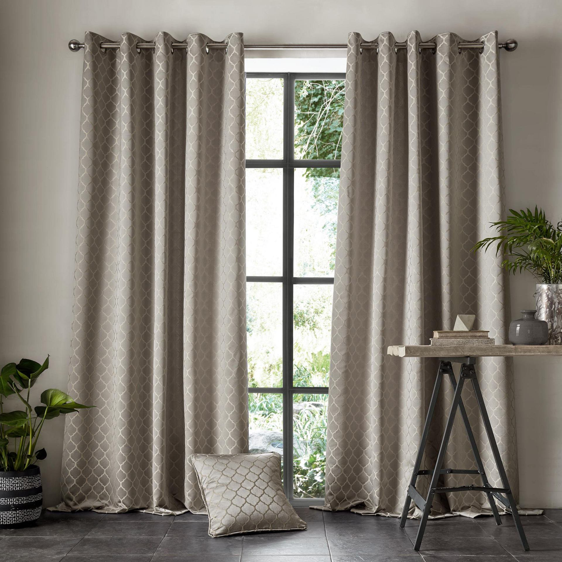 Village-fabrics-Curtains-Aldbury-Pewter