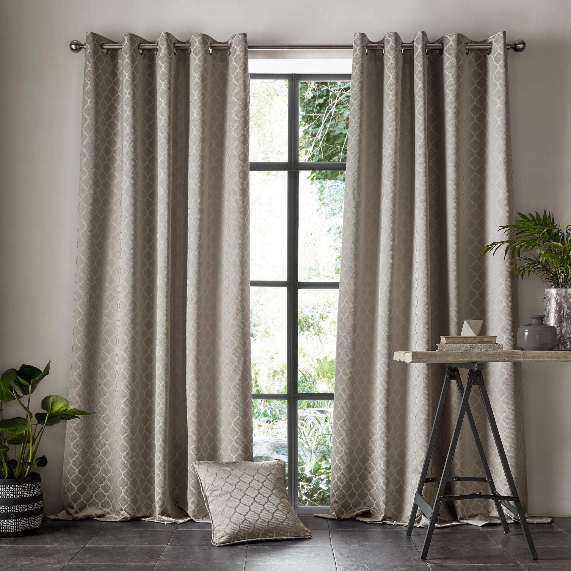 Village-fabrics-Curtains-Aldbury-Pewter