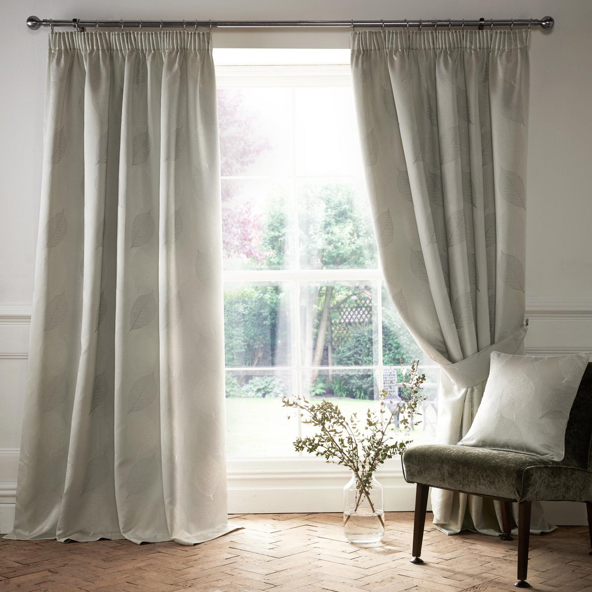 Village-fabrics-Curtains-Ashwell-Silver
