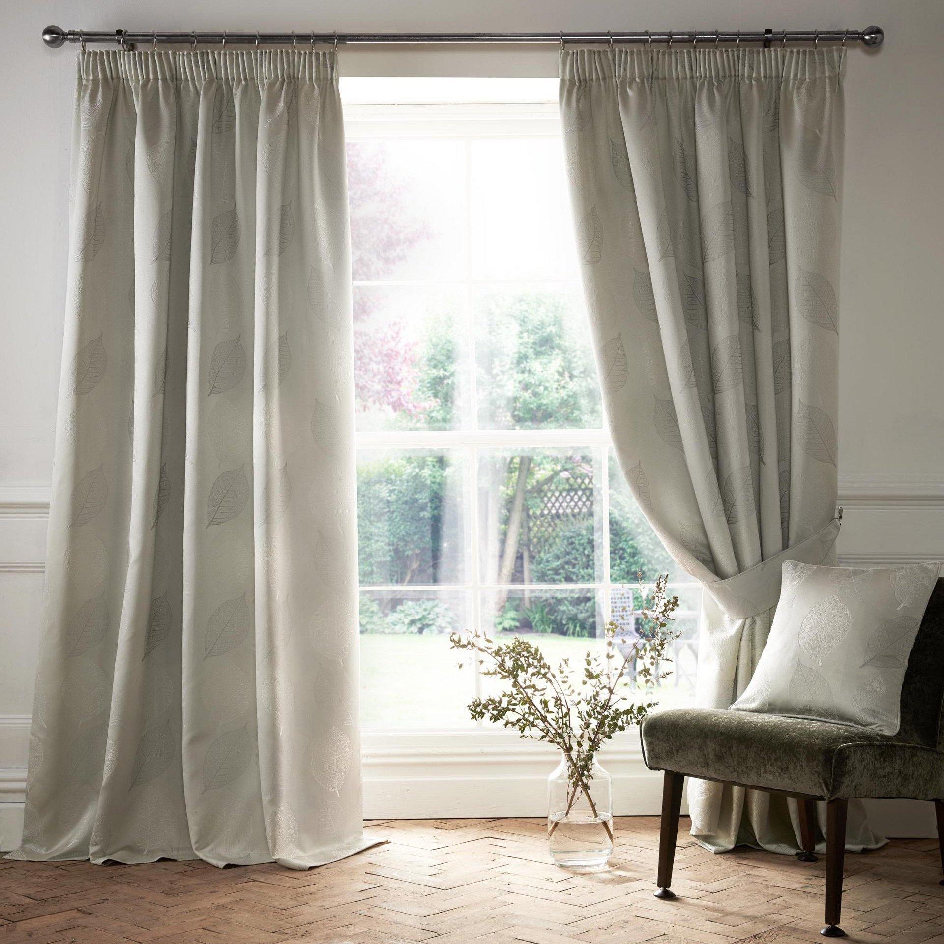 Village-fabrics-Curtains-Ashwell-Silver
